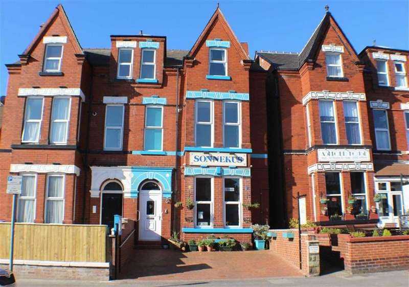6 Bedrooms Semi Detached House for sale in Trinity Road, Bridlington, East Yorkshire