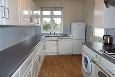 2 Bedrooms Bungalow for rent in Springfield Gardens