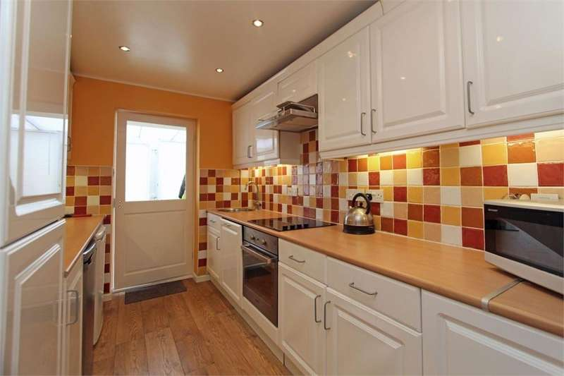 2 Bedrooms Terraced Bungalow for sale in 5 Eureka Chalets, Salines Lane, St Sampson's