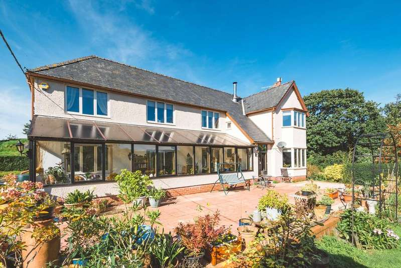 5 Bedrooms Detached House for sale in Machynlleth, Powys