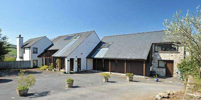 5 Bedrooms Detached House for sale in Market Field, Chagford