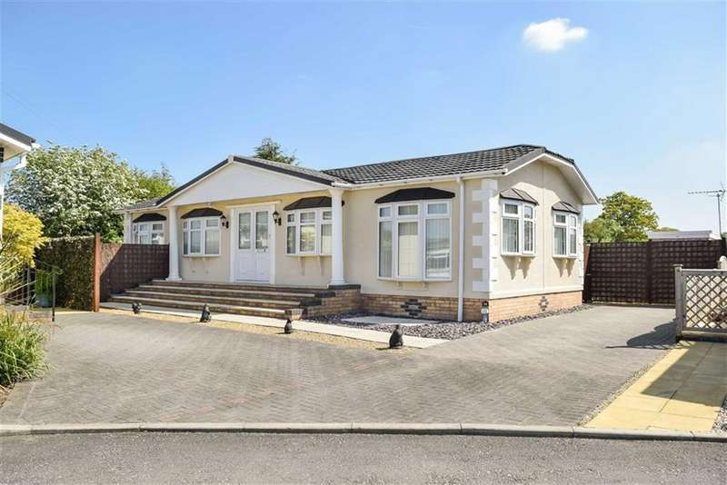 2 Bedrooms Park Home Mobile Home for sale in Kinderton Park