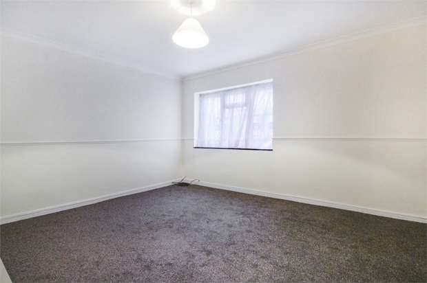 2 Bedrooms Flat for sale in Prospect Hill, Walthamstow, London