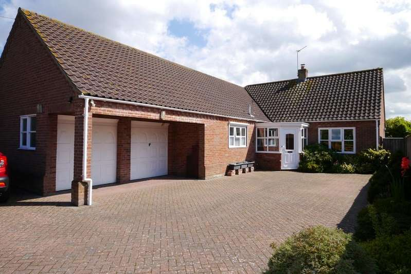 3 Bedrooms Detached Bungalow for sale in Chapel Road, Mutford, Beccles