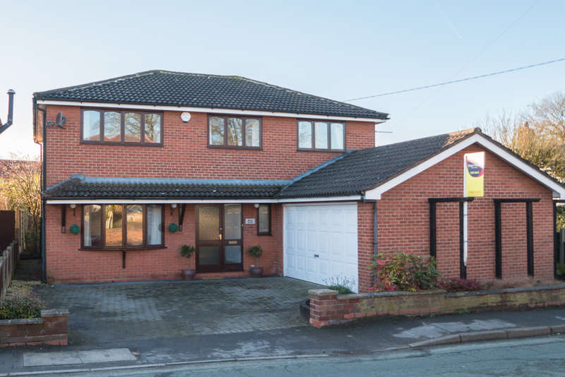 4 Bedrooms Detached House for sale in Marbury Road, Comberbach