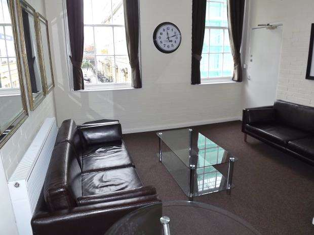 2 Bedrooms Apartment Flat for rent in Portland Square, City Centre