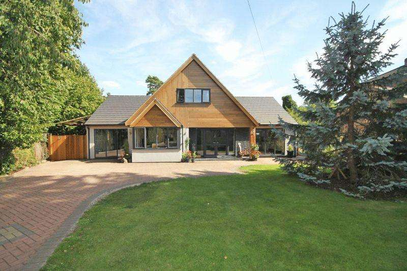 4 Bedrooms Detached House for sale in GROVE LANE, WALTHAM