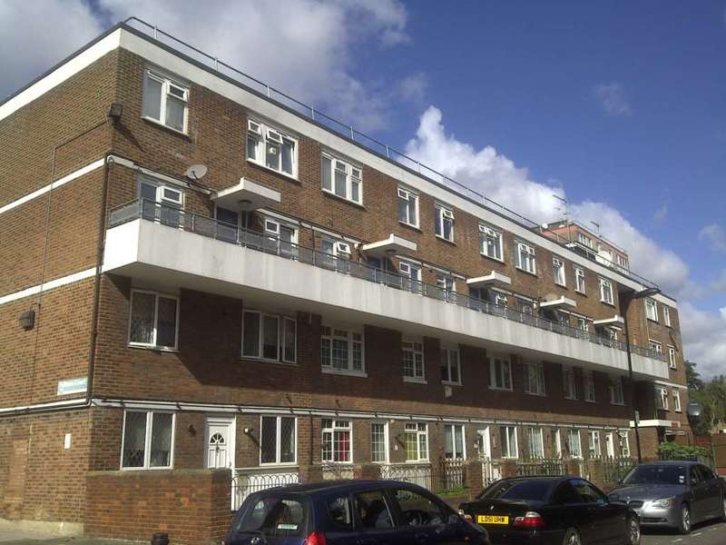 2 Bedrooms Maisonette Flat for sale in Weymouth Terrace, Hackney