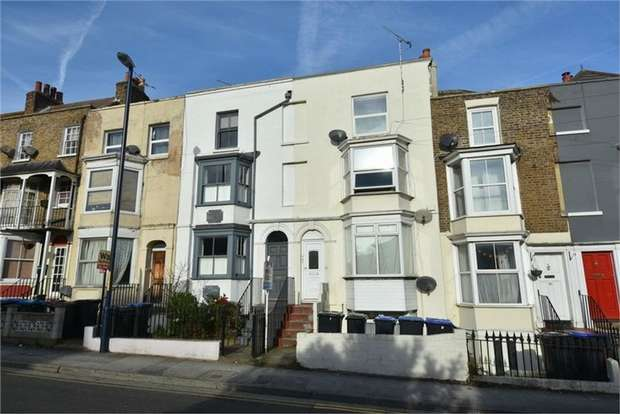 1 Bedroom Flat for sale in West Cliff Road, Ramsgate, Kent