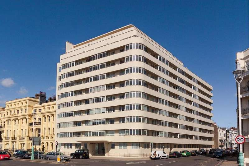 3 Bedrooms Apartment Flat for sale in Kings Road, Brighton, BN1