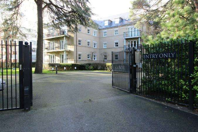 3 Bedrooms Flat for sale in Derby Road, East Cliff
