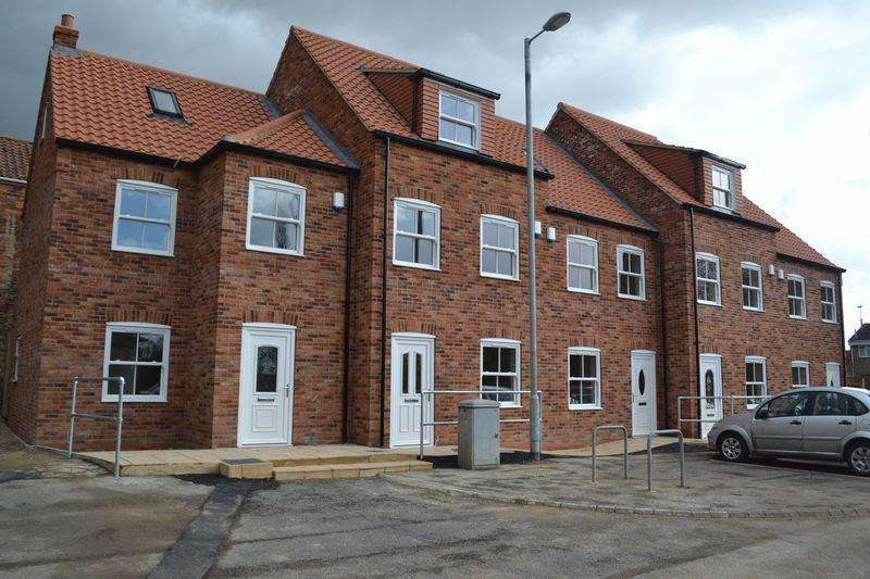 3 Bedrooms Terraced House for sale in Elwes Street, Brigg