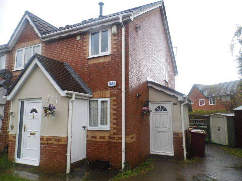 2 Bedrooms Apartment Flat for sale in Ainsdale Road, Great Lever, Bolton
