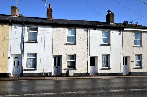 2 Bedrooms Terraced House for sale in Mill Street, Crediton, Devon