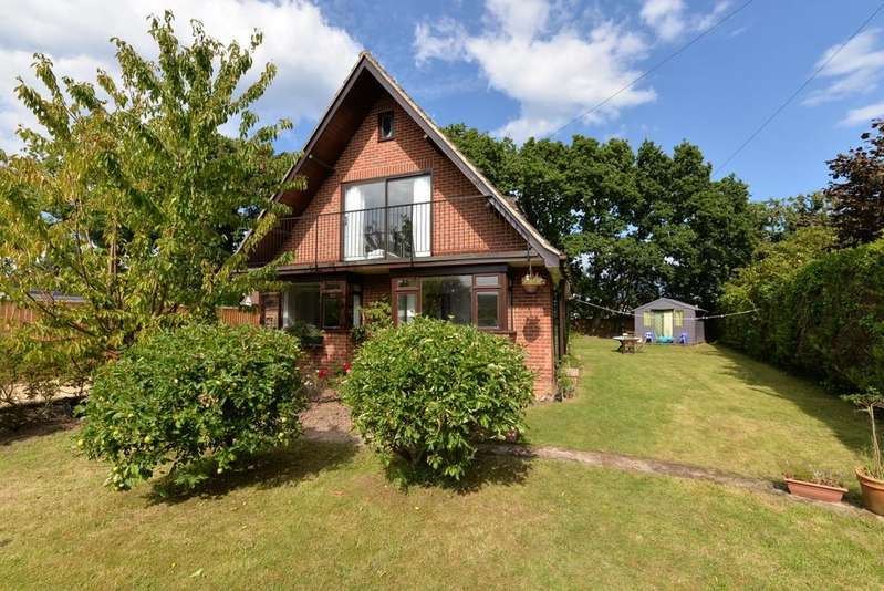4 Bedrooms Detached House for sale in Fir Avenue, New Milton