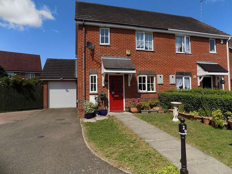 3 Bedrooms Semi Detached House for sale in Hutchinson Close, Manea