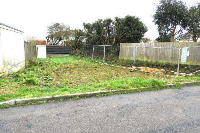 3 Bedrooms Plot Commercial for sale in Plot South of 34 Trenethick Avenue, Helston, TR13