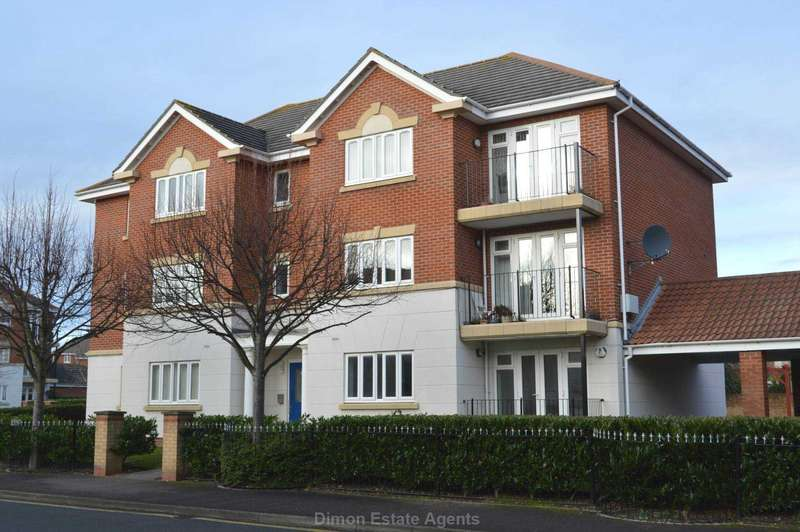 2 Bedrooms Flat for sale in Canada Court, Priddy`s Hard