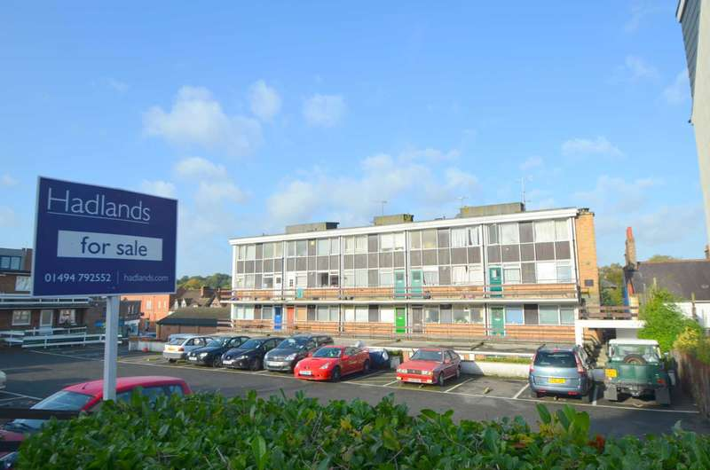 3 Bedrooms Duplex Flat for sale in White Hill Court, Chesham HP5