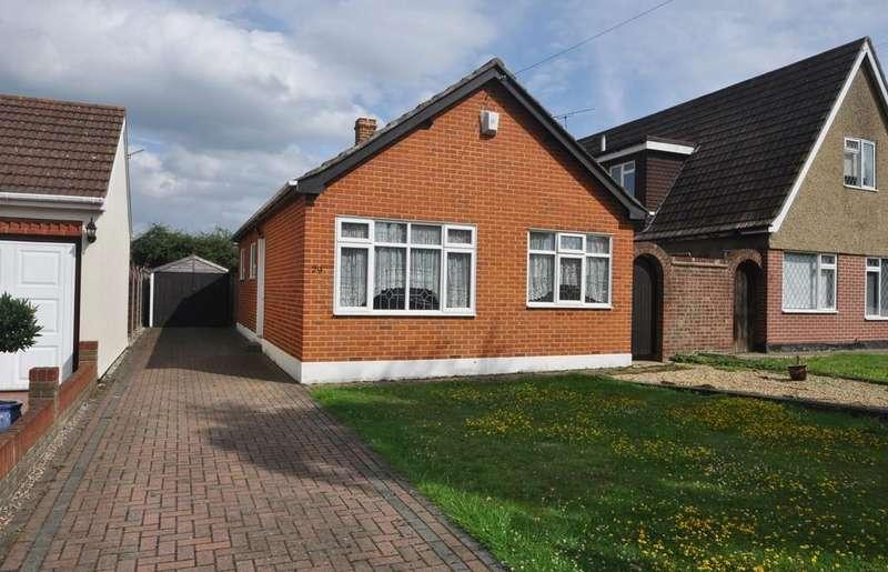 2 Bedrooms Detached Bungalow for sale in Stanway Road, Benfleet