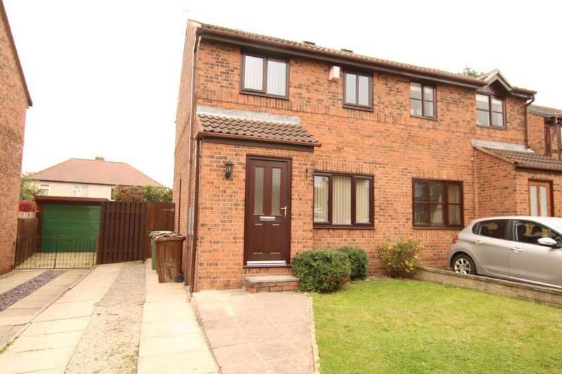 3 Bedrooms Semi Detached House for rent in Fernleigh Court, Wakefield