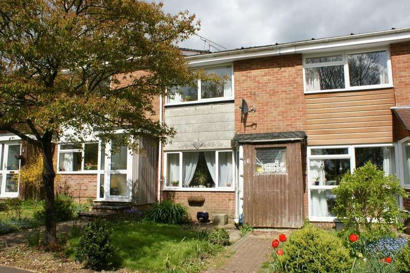 2 Bedrooms Terraced House for sale in Linnet Way, ALTON, Hampshire