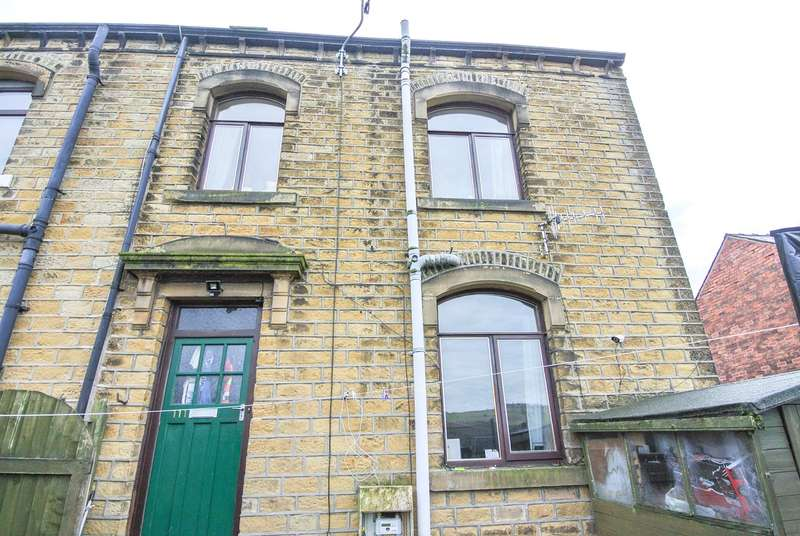 2 Bedrooms Town House for sale in Causeway Side, Linthwaite, Huddersfield, HD7