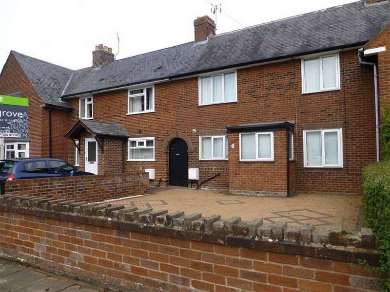 3 Bedrooms Terraced House for sale in Watts Dyke Way, Wrexham