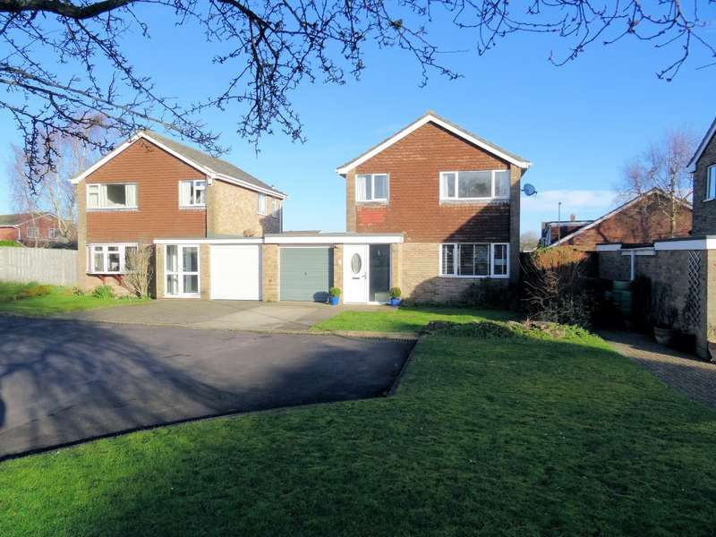 3 Bedrooms House for sale in Thrush Close, Kempshott