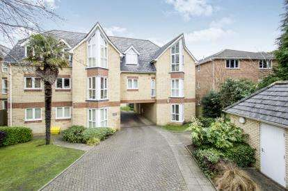 2 Bedrooms Flat for sale in 73 Surrey Road, Bournemouth, Dorset