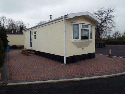 1 Bedroom Mobile Home for sale in Heath Park, Ball Lane, Coven Heath, Wolverhampton