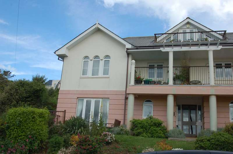 2 Bedrooms Apartment Flat for rent in Bosuns Point, Alta Vista Road, Paignton