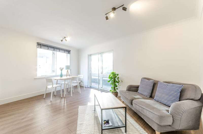 2 Bedrooms Flat for sale in Peninsula Court, Isle Of Dogs, E14