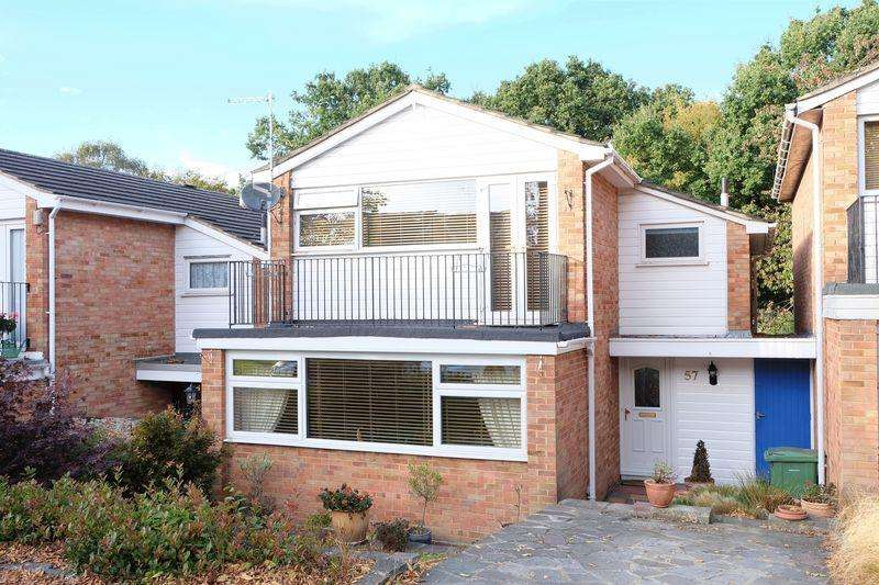 3 Bedrooms Detached House for sale in West Woodside, Bexley