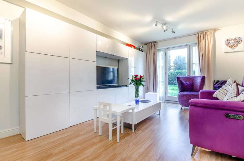 2 Bedrooms Flat for sale in Faraday Road, Guildford, GU1