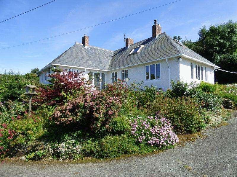 3 Bedrooms House for sale in Tara, Terrace Walk, Llanfairfechan LL33 0EL