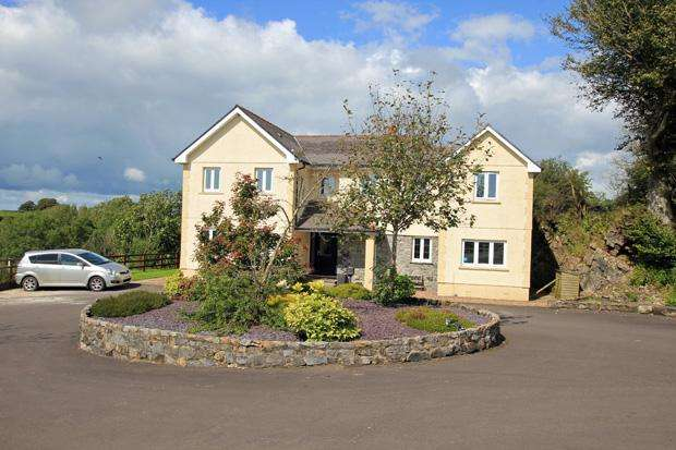 5 Bedrooms Detached House for sale in Four Roads, Kidwelly, Carmarthenshire