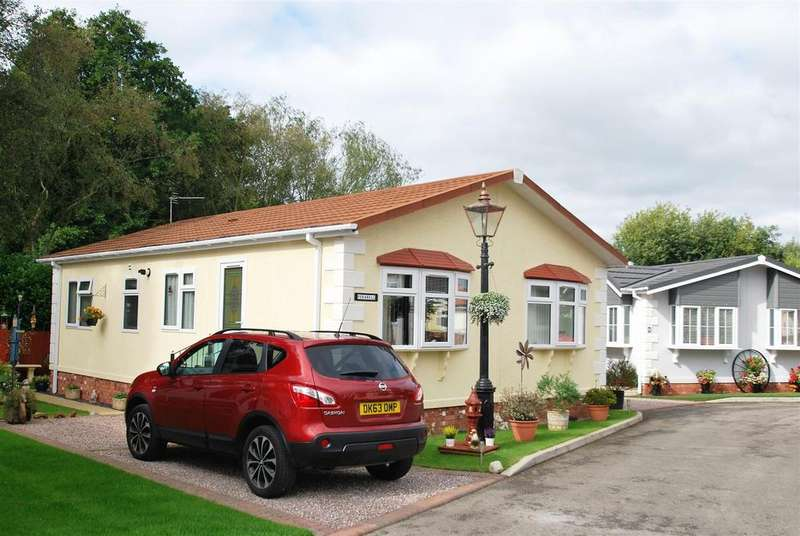 2 Bedrooms Park Home Mobile Home for sale in New Forest Park, Delamere Road, Norley
