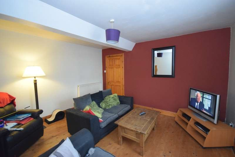 2 Bedrooms Flat for sale in Wester Loan, Kinross, Perth and Kinross, KY13