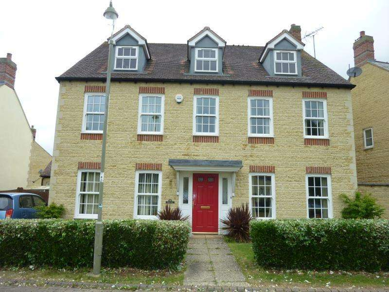 6 Bedrooms Detached House for sale in Cedar Road, Carterton, Oxon