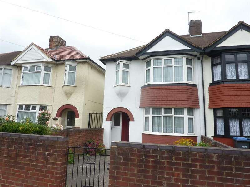 3 Bedrooms Detached House for rent in Great Cambridge Road, Enfield