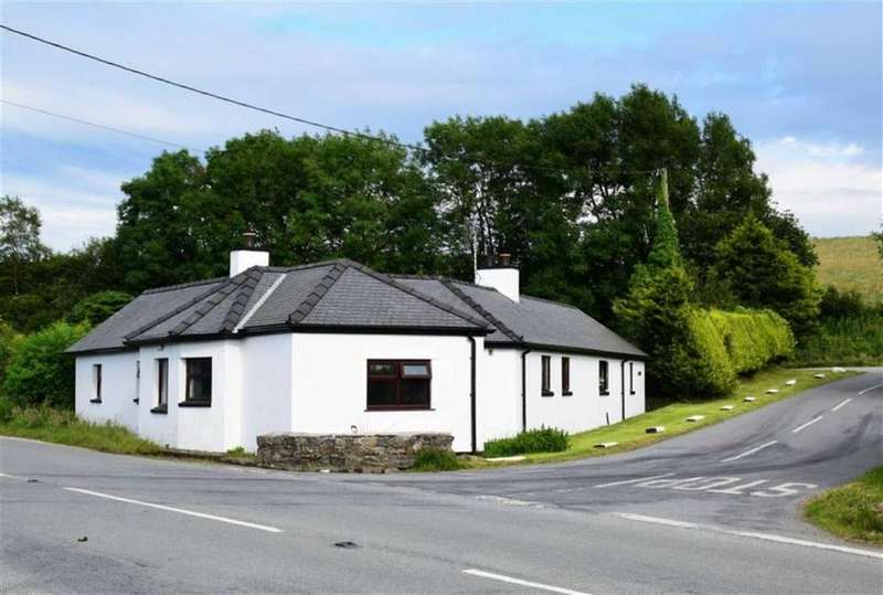 3 Bedrooms Detached House for sale in Llanrwst, Conwy
