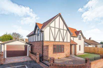 4 Bedrooms Detached House for sale in The Close, Henbury, Bristol