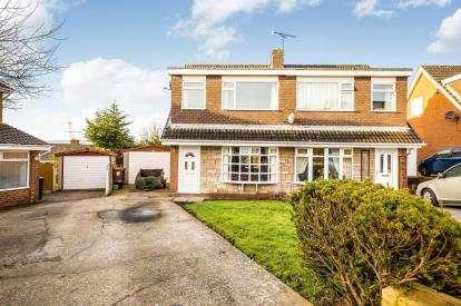 3 Bedrooms Semi Detached House for sale in Llwyn Derw, Mynydd Isa, Mold, Flintshire, CH7