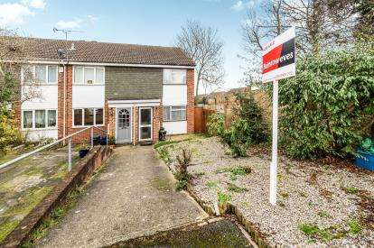 2 Bedrooms End Of Terrace House for sale in Woodford, Green, Essex