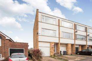 3 Bedrooms End Of Terrace House for sale in George Street, Dover, Kent