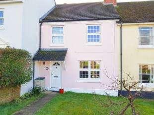 3 Bedrooms Terraced House for sale in Poplar Way, Midhurst, West Sussex