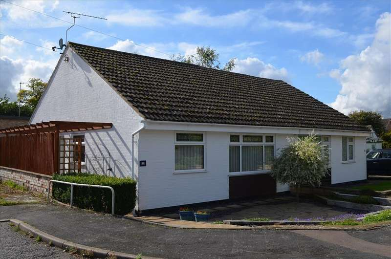 2 Bedrooms Semi Detached Bungalow for sale in Pepper Close, BASSINGBOURN, SG8