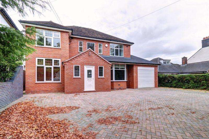 5 Bedrooms Detached House for sale in Ladderedge, Leek