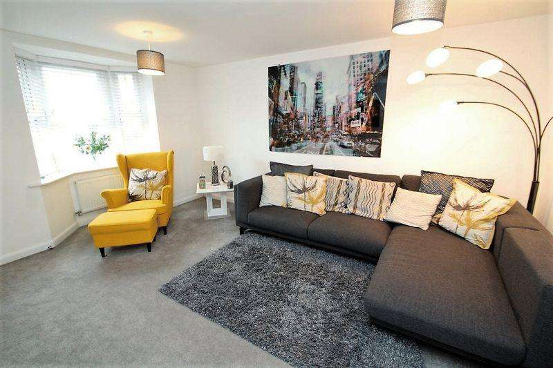 3 Bedrooms Terraced House for sale in Jones Way, Kingsway OL16 4FX
